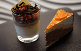 Auf den Bild sieht man Kuchen des hoteleigenen Restaurants