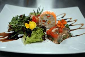 Auf den Bild sieht man Speisen des hoteleigenen Restaurants